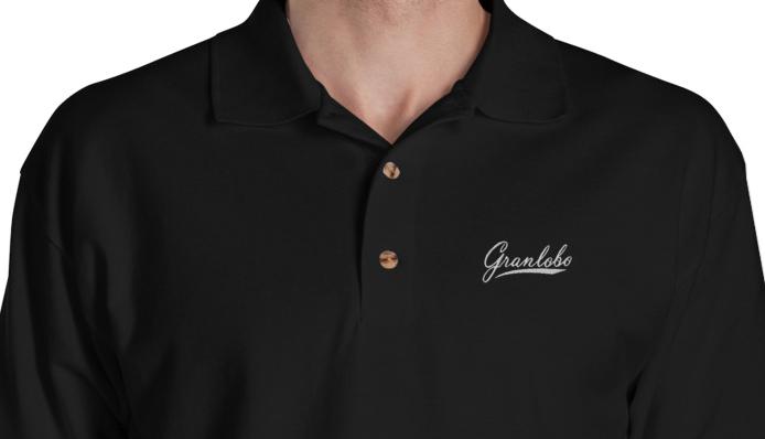 会社名やロゴなどを、シルクプリント・転写シート・刺繍で入れることができます。
